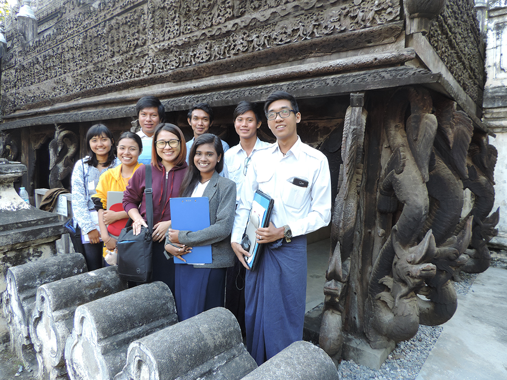 TUM students at Shwe-nandaw in Mandalay, Myanmar.