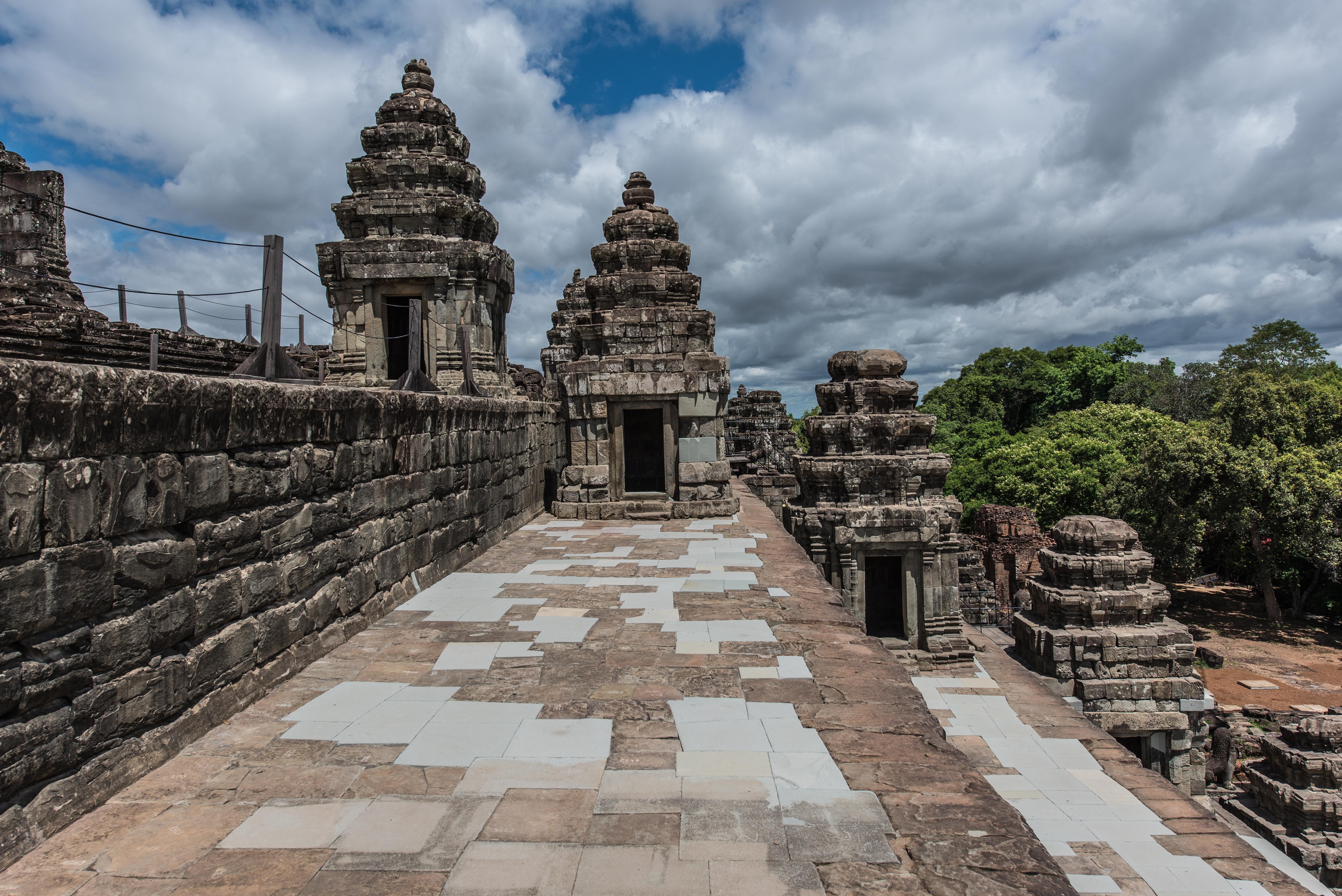 The conserved eastern half of Phnom Bakheng.