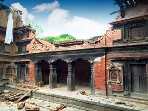 Patan Royal Palace Complex after April earthquakre. Photo KVPT.