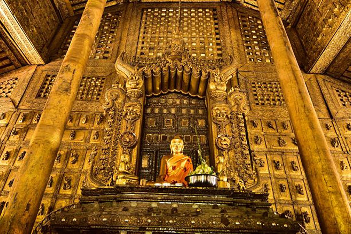 The Buddha Throne before restoration, 2019.