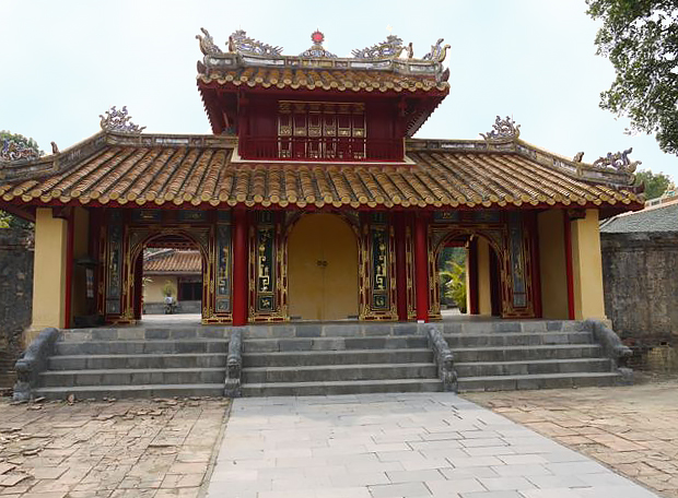 Minh Mang Tomb (Vietnam, 1996 and 2000 Watch): Early support from American Express led to a major conservation program at this important national monument.