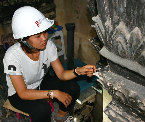 Khun Apple cleaning the ceiling of Meru C3.