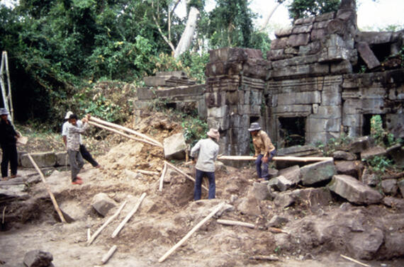 Angkor, Vishny west side, 1993