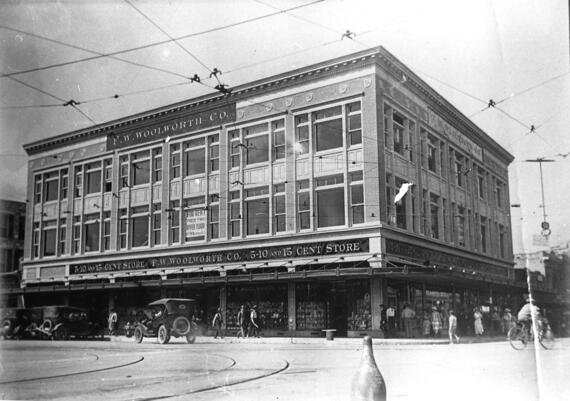 A historic view of the San Antonio Woolworth Building, ca. 1922. Photo courtesy UTSA Archives Special Collections.