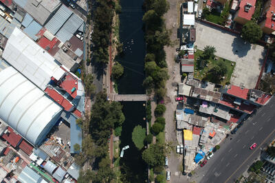 Aerial view of the Canal Nacional with the Colorines bridge, 2018.