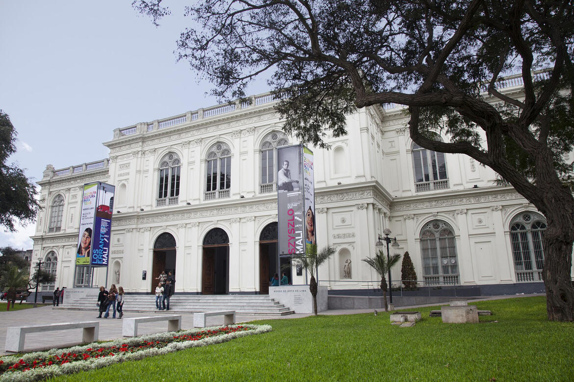Main facade of the Lima Museum of Art, 2016.