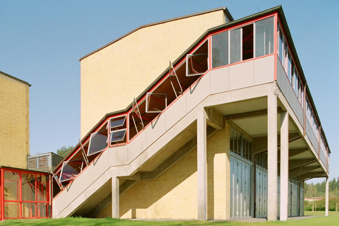 The 2008 World Monuments Fund/Knoll Modernism Prize was awarded to Brenne Gesellschaft von Architekten mbH, led by Winfried Brenne and Franz Jaschke, for the restoration of the former ADGB Trade Union School in Bernau, Germany