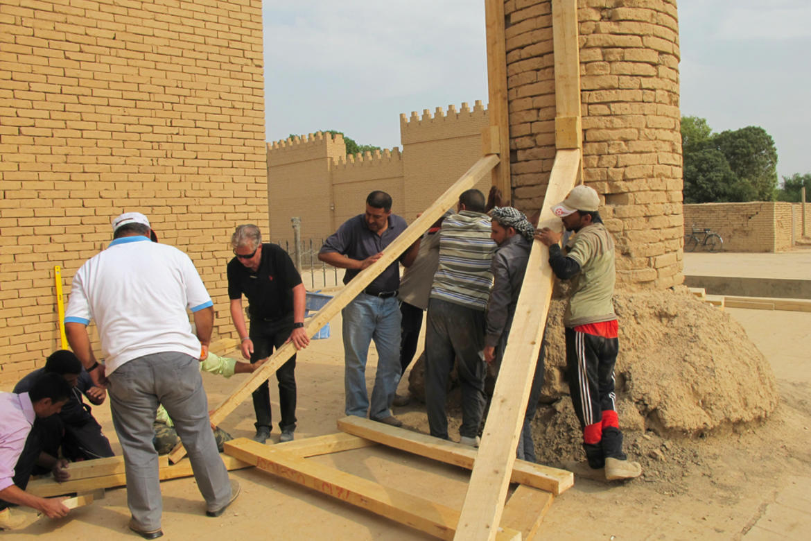Setting braces in place at the Ishtar Gate column