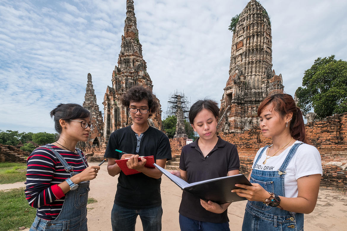 Four new WMF conservators in Wat Chaiwatthanaram.