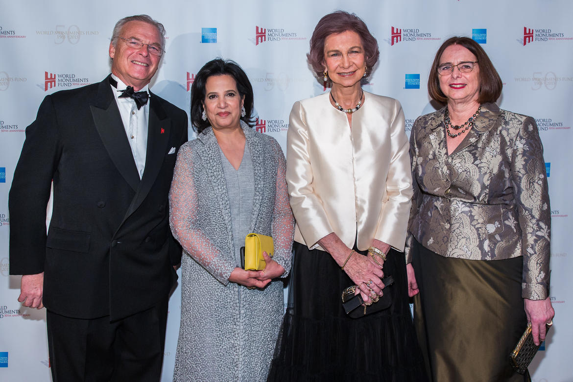 WMF Chairman Christopher Ohrstrom with Her Excellency Shaikha Mai bint Mohammed Al Khalifa of the Kingdom of Bahrain, Her Majesty Queen Sofía of Spain, and President Emerita Bonnie Burnham, 2015 Hadrian Gala
