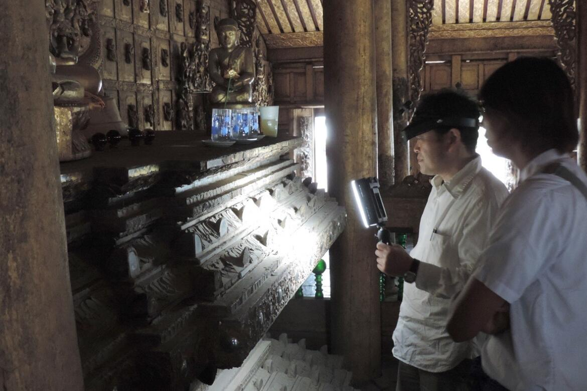 The Buddha Throne being examined in 2015, the first assessment by  Yoshi Yamashita, one of the world's authorities of lacquer decorations and their conservation.