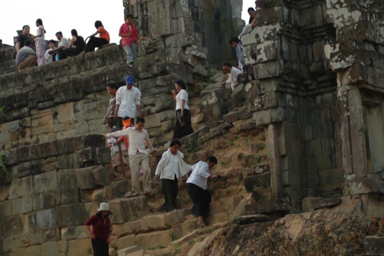 Phnom Bakheng, erosion 2005