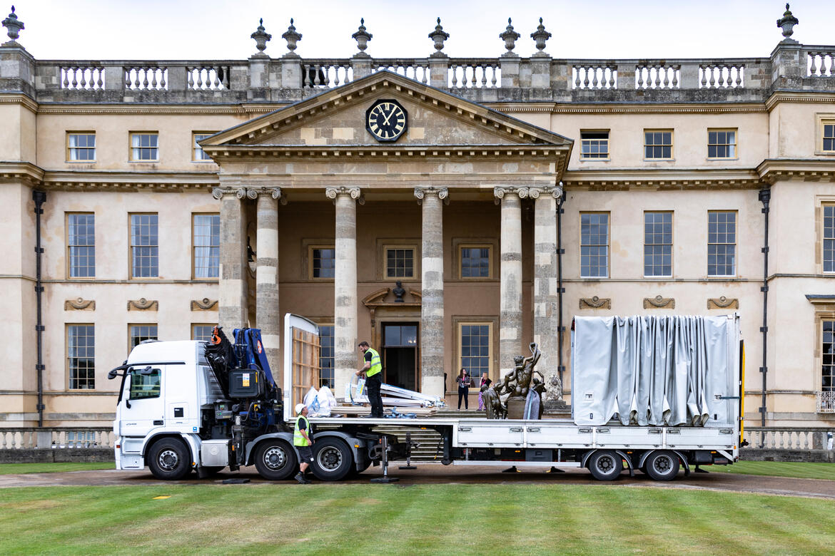 The Laocoön arriving at Stowe House. Photo by Andy Marshall.