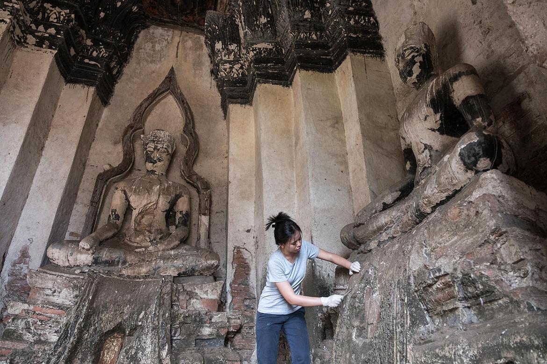 Khun Nan working on Meru C4.