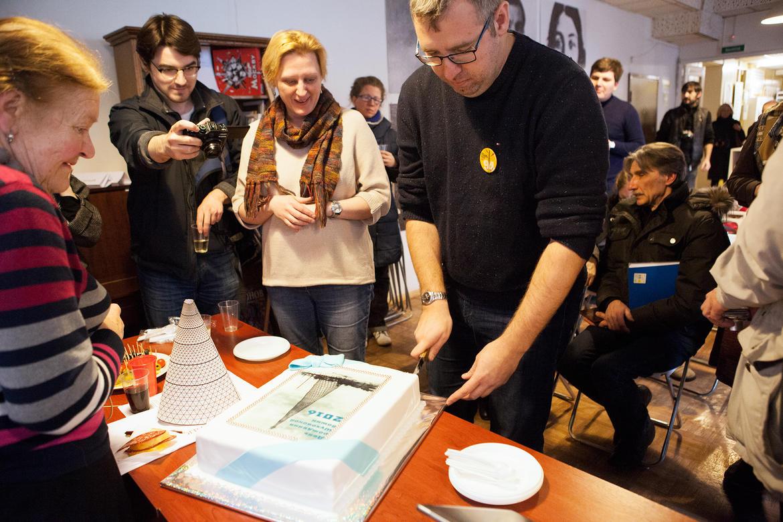 Happy Birthday Shukhov Tower! Guests cut the birthday cake.