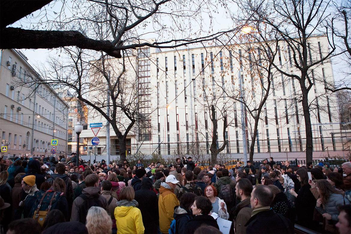 Despite the protests of hundreds of local advocates, Taganskaya telephone station was demolished unexpectedly on a holiday weekend, April 2016.