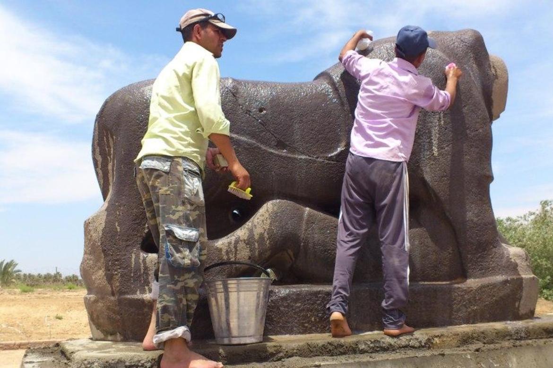 Washing the Lion of Babylon