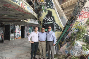 The author with architects Hilario Candela, and Richard Heisenbottle.