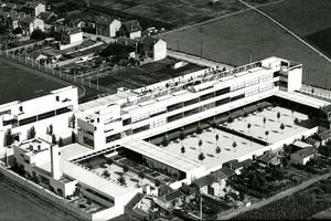 Aerial view of Karl Marx School, 1933
