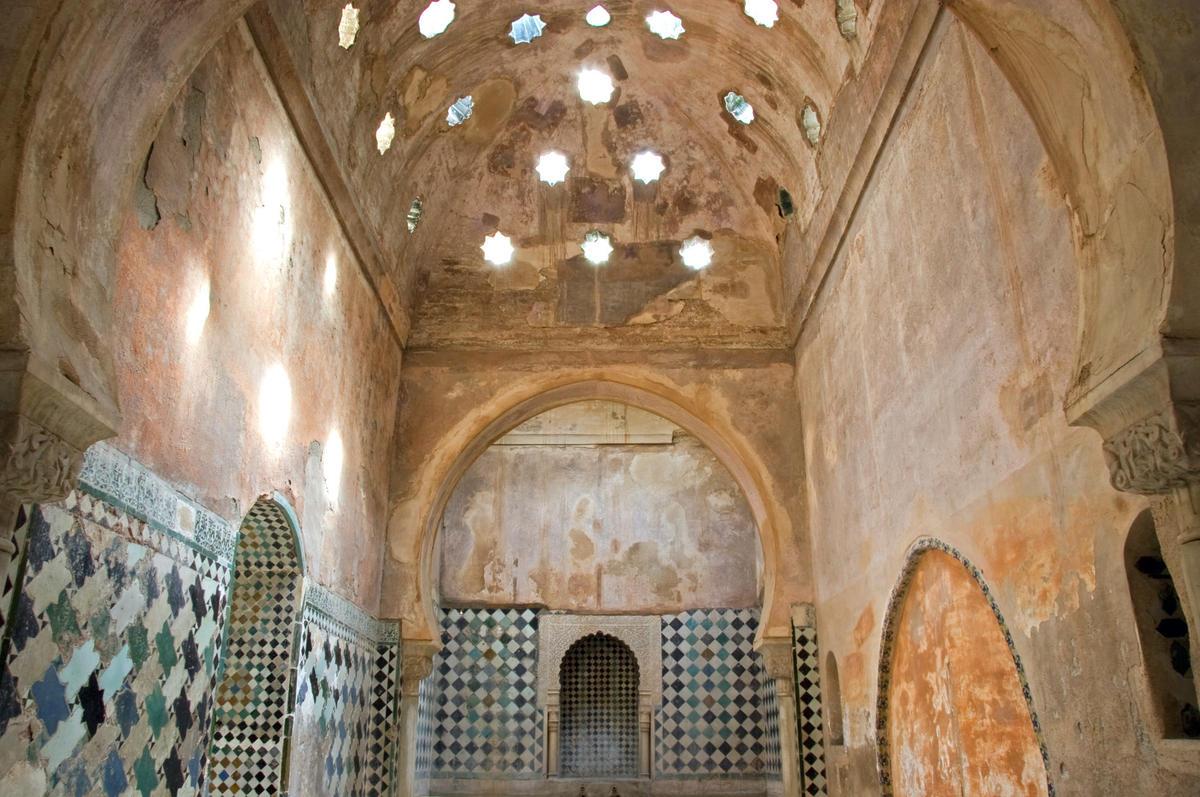 Alhambra world monuments fund - Banos arabes palacio de comares ...