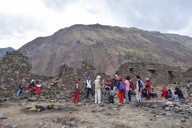 Guided tour of the archaeological remains at Rumiqolqa during Watch Day, 2016