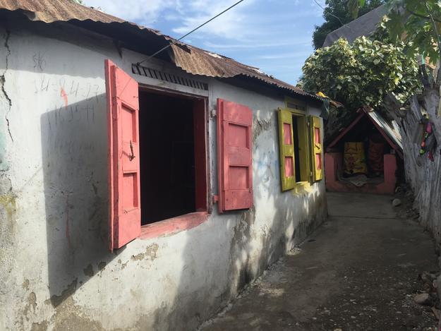 Colorful windows at the exterior of Maison des Espirits, 2015