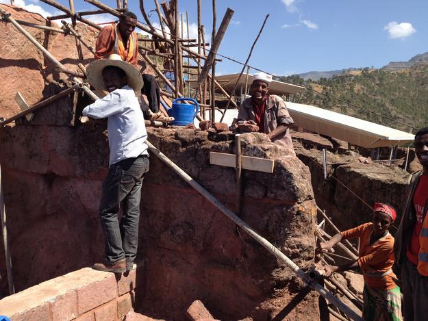 Repairing wall of Beta Gabriel Rafael, 2015