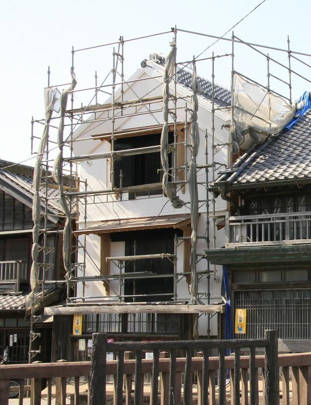 Nakamuraya shop during restoration