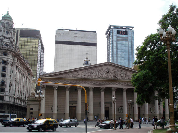 The cathedral with new tower buildings behind it, demonstrating the balance between balance between built heritage preservation and new development , 2009