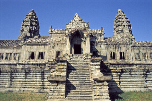 The entrance to the gallery, a crowning achievement of Khmer artistry, 1996