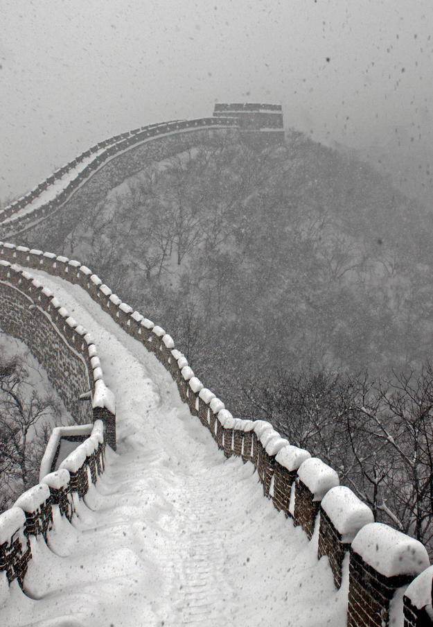 The Great Wall during a snowstorm, 2010