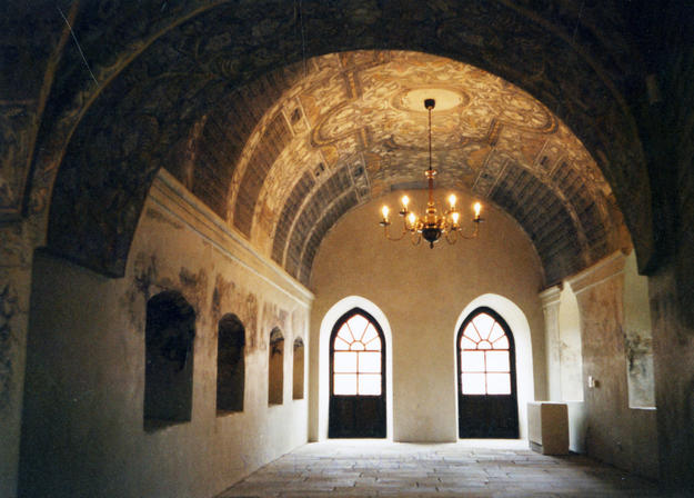 Vestibule of the main hall, 2002