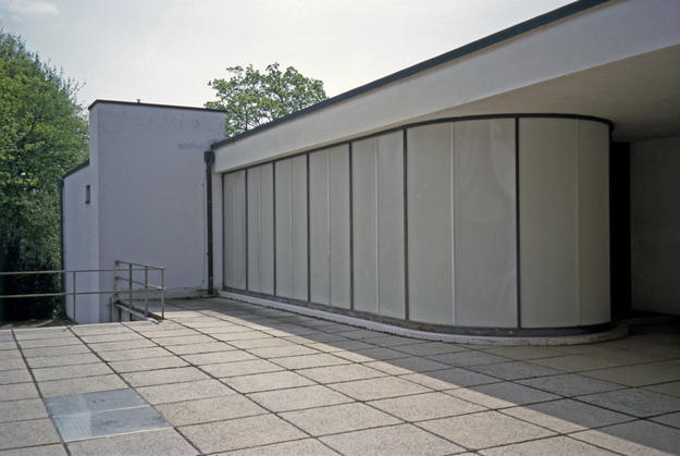 Exterior of translucent glass paneled wall, 2004