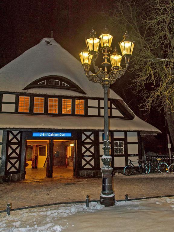 Gaslight and Gas Lamps of Berlin