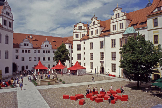 The castle complex and the courtyard, 2004