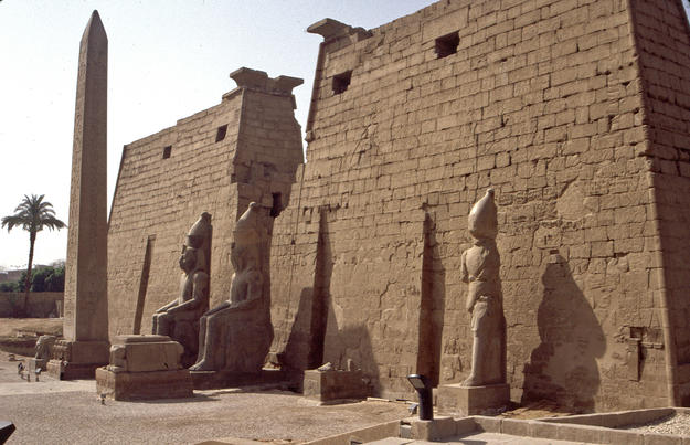Pylons of Ramesses II, 2004