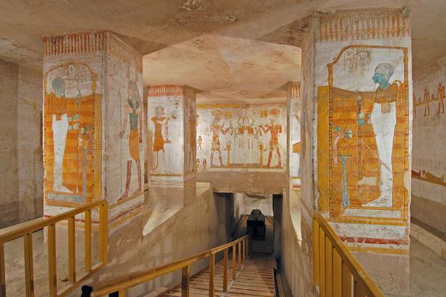 Pillared Chamber F of Tomb KV 15, 2003