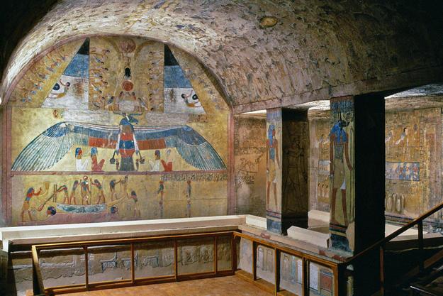 Interior of KV 14, 1999