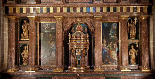 Detail of the High Altar before conservation, 2009