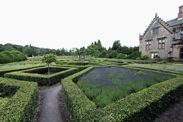Gardens with the abbey in the background, 2014