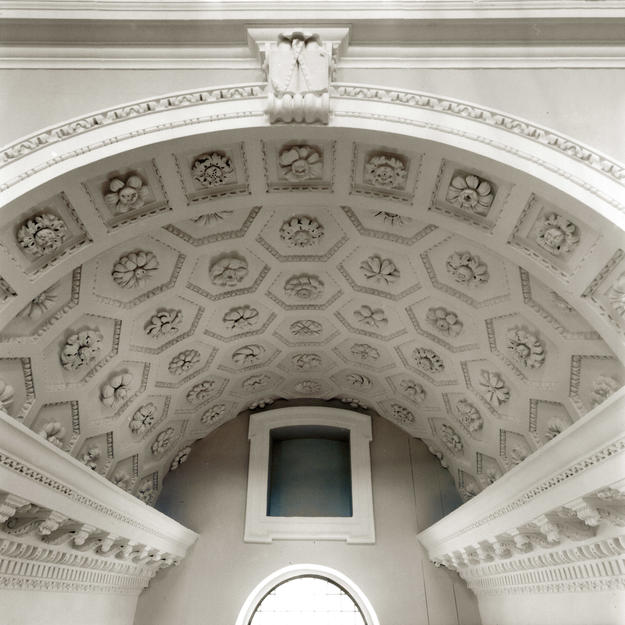 One of the newly restored vaults of the nave arcade, 2004