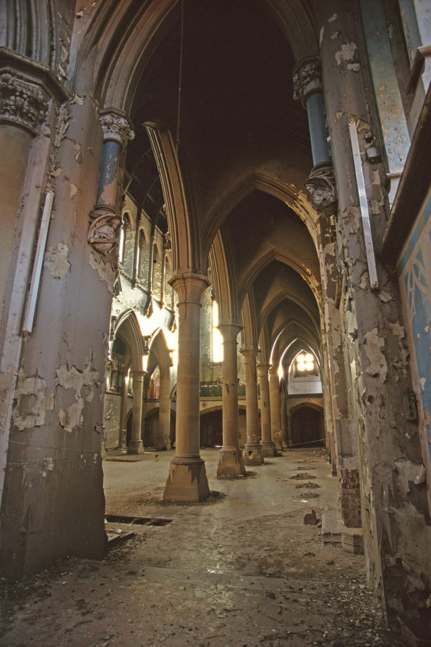 Interior damaged by inadequate maintenance, vandalism, and looting , 1996