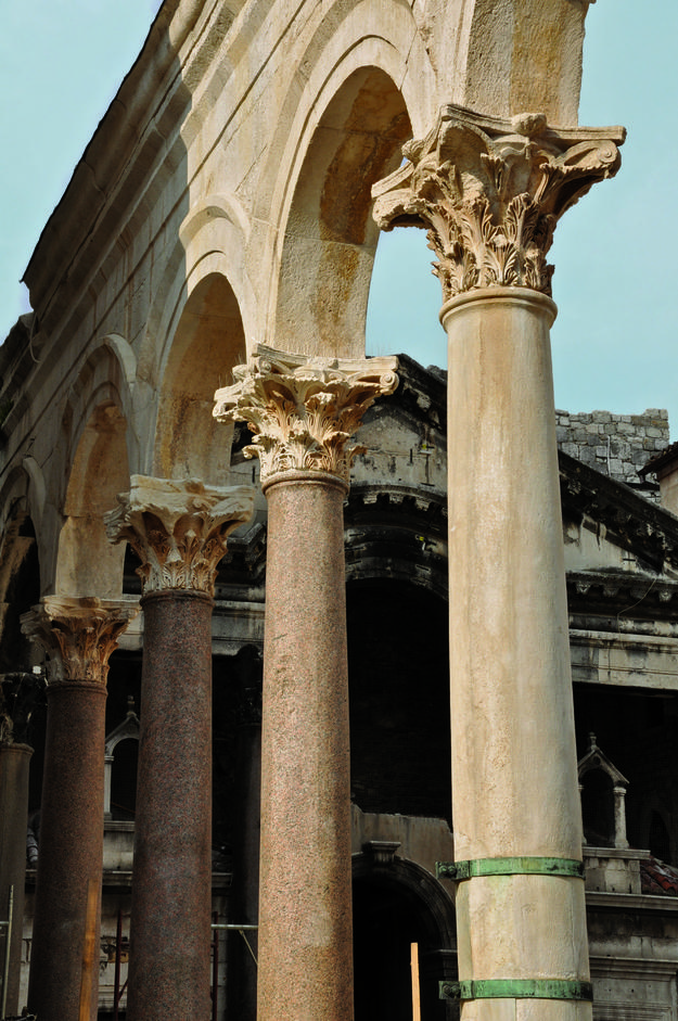 Ornate captials of the peristyle, 2009