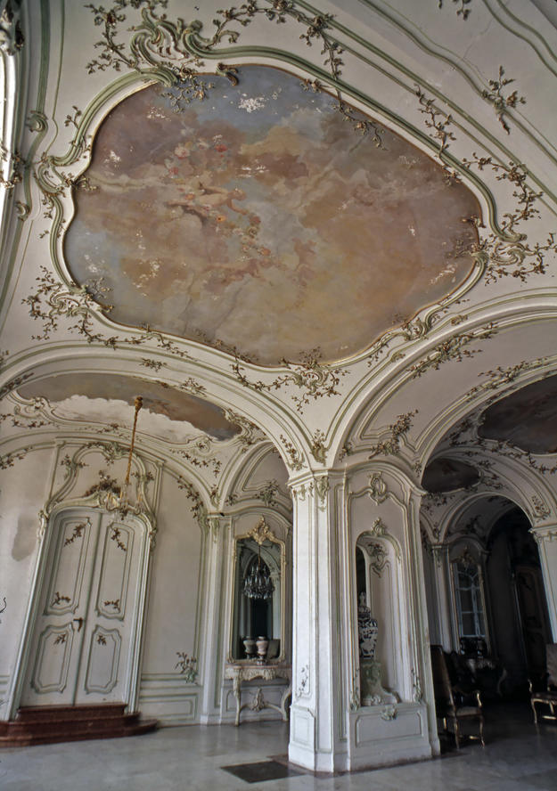 Detail of the Sala terrena with ceiling frescos by Mildorfer, 1994