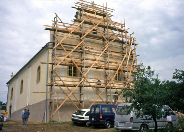 East and south façades during conservation, 2003