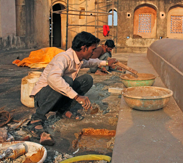 Conservation of the rainwater outlets of the Laxmi Narayan Temple, 2014