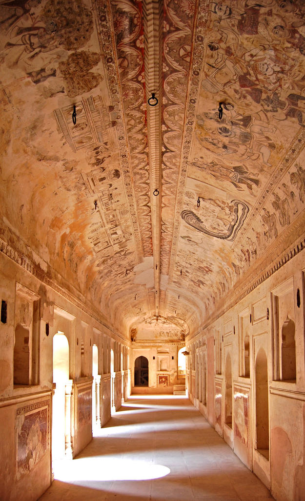 Laxmi Temple hallway in Orchha, 2012