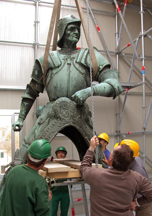 The rider removed from his horse during conservation, 2003