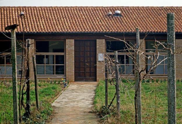 Façade of the lab, 1982