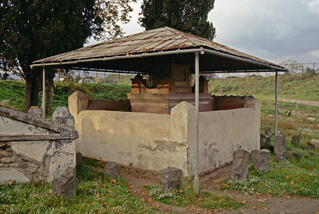 The Tomb of Vestorio Prisco under the addition of a modern roof, 1996